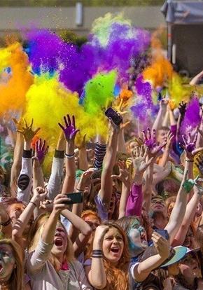 Фестиваль волшебных шаров, водных фонариков и ColorFest