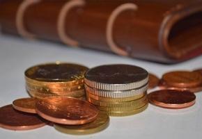 Налоговая хочет по-новому проверять доходы и расходы белорусов, в том числе расходы родственников «исследуемого» гражданина