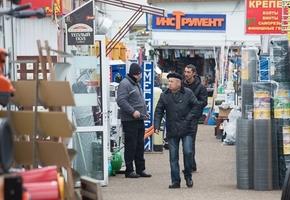 Мужчина купил в Лиде у мошенников из РФ три сварочных аппарата и три бензопилы, о чём после пожалел