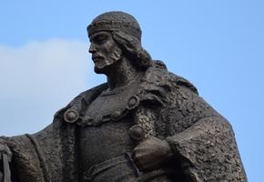 В Лиде устанавливают конный памятник основателю города Гедимину