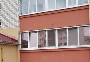 СК: Годовалый мальчик выпал из окна второго этажа в Ивье. В Лиде двое детей получили различные травмы