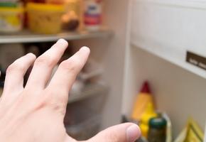 Лидчанин украл у соседа холодильник с продуктами