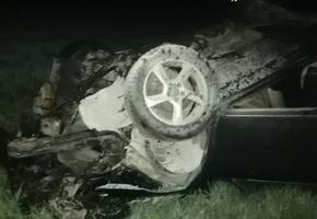 На М6 перевернулся и загорелся Volvo S80. Серьёзно пострадал водитель