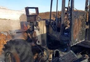 На территории «Лидахлебопродукт» в Крупово загорелся погрузчик АМКОДОР-332С. От него мало что осталось