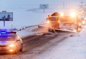 Трассы региона накрыло снегом. Задействованы все дорожные организации. Прогнозы: до -20°C