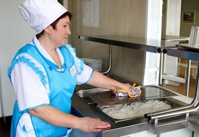 В столовых всех школ Лиды и Лидского района установили видеокамеры — под присмотром окажется процесс приготовления пищи