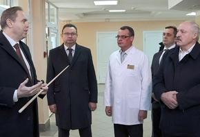 «Мое железное требование — никого не заставлять». Что говорил Лукашенко в Лиде при посещении Лидской ЦРБ