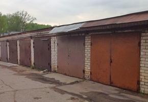 В Лиде в гаражном кооперативе угнали незапертый авто с ключами внутри