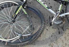 На М6 велосипедист не убедился в безопасности при повороте через 2 полосы