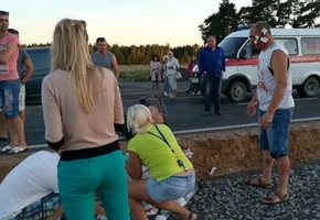 Тяжёлая авария на М6: маршрутка «Минск — Варшава» и другой микроавтобус столкнулись лоб в лоб. Много пострадавших