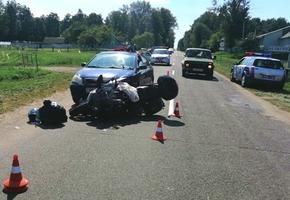 В Лидском районе женщина на Toyota врезалась в байкера