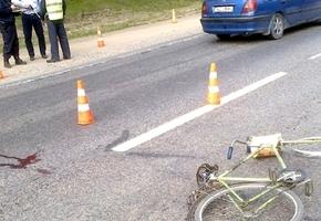 На М6 велосипедист решил проверить прочность грузового Мерседеса