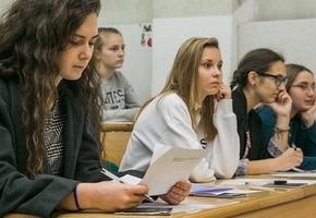 Рейтинг школ после ЦТ: лучше всего русский сдали в гимназии Лиды, а математику — в Лицее БГУ