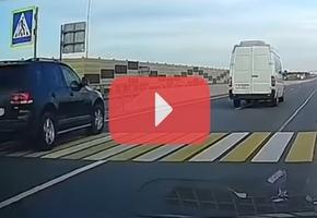 На трассе М6 благодаря бдительности водителей удалось избежать, возможно, очень жёсткой аварии