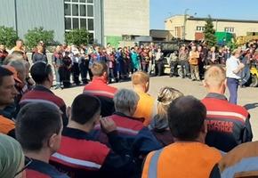 Руководство Локомотивного депо Лида вышло пообщаться с работниками (будет обновлено)