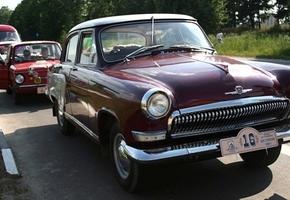 К Лидскому замку приедут ретро-автомобили благотворительного автопробега