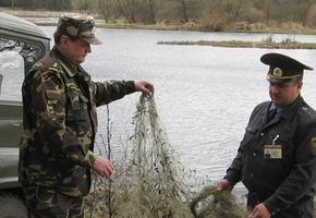 Инспекторы охраны природы продолжают ловить браконьеров. Два рыбака «топтухой» наловили на 12000 рублей