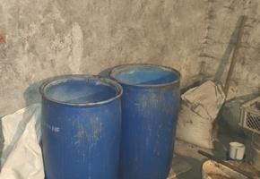 Варил для себя. В Лидском районе милиционеры изъяли 350 литров браги и 100 литров самогонки
