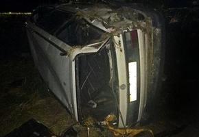 Volkswagen Passat перевернулся в Лидском районе. Пьяный пассажир вылетел из салона