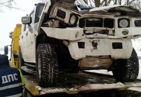 Под Лидой водитель Hummer «поймал» дерево