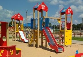 Имиджевые детские площадки от МЧС появились не только в Лиде