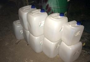 В одном из гаражей кооператива на Невского сотрудники ОБЭП обнаружили более 2 тонн спирта