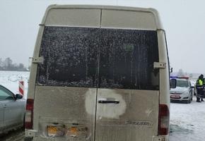 На трассе М6 «Минск — Гродно» в результате ДТП пострадал дорожный рабочий