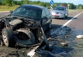На М6 BMW попала под фуру