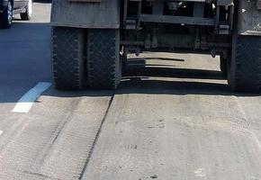 Перевозчики должны спланировать другие пути. Рядом с Лидой и по всей области введён запрет на движение грузовиков по некоторым дорогам