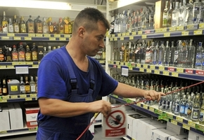 То разрешить, то запретить. Минздрав и МВД снова ограничат время продажи алкоголя