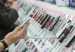 В Лиде продавец-консультант подменил свой старый iPhone на новый. Заведено уголовное дело