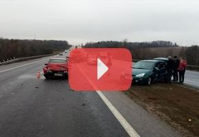 На М6 столкнулись Volkswagen и Ford