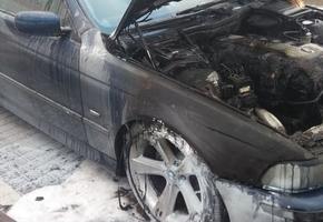 В Лиде на стоянке загорелся автомобиль