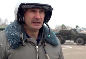 В Лиде начали подготовку летчиков к боевой работе в сложных метеоусловиях