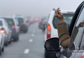 Курение в автомобилях запретят, если  в салоне находятся дети
