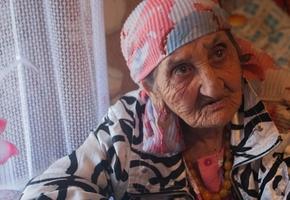 «Рюмка коньячку и лимонный сок». Рецепт долголетия от 119-летней цыганки, проживающей в Лидском районе