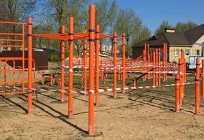 В Лиде устанавливаются две новые workout-площадки
