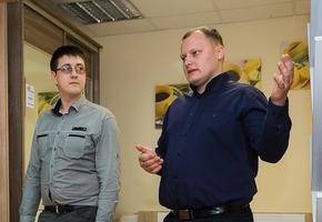«Решили рискнуть, а на завод за 300—400 рублей всегда успеем». Как двое рабочих ушли в свой бизнес