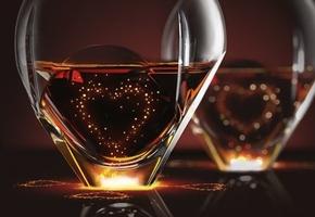 Стеклозавод «Неман» сообщил о выпуске новых «бокалов с голограммой»