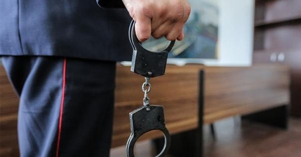 В Лиде поймали скрывавшегося от правосудия мужчину. Он ударил другого человека ножом