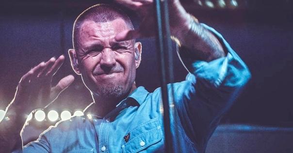 В Лиде в ночном клубе «Маяк» выступил Михалок и «Ляпис-98» (фото)
