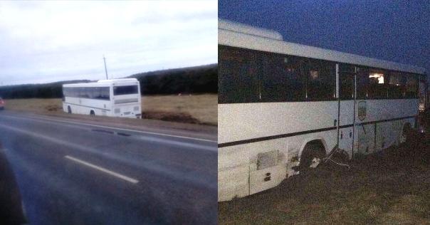 В Лидском районе автобус съехал в кювет из-за лопнувшего колеса