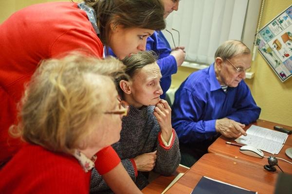 Работа для пенсионеров москва сзао прямые работодатели